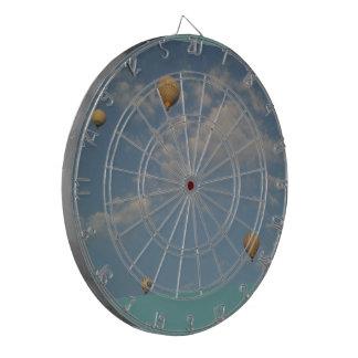 熱気は投げ矢板を風船のようにふくらませます ダーツボード