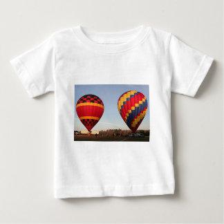 熱気は、オーランド、フロリダ、米国3風船のようにふくらみます ベビーTシャツ