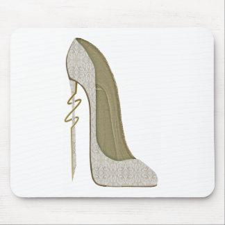 熱狂するなかかとのレースの小剣の靴の芸術 マウスパッド