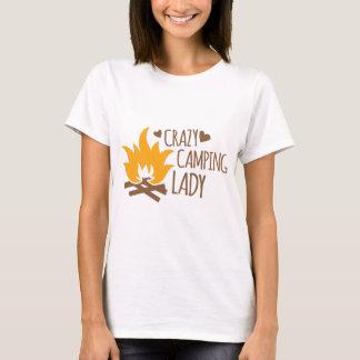 熱狂するなキャンプの女性 Tシャツ