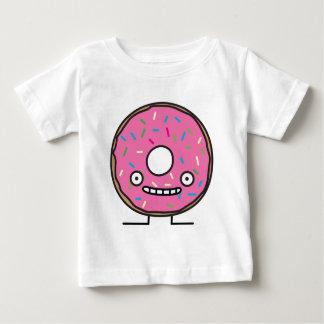 熱狂するなドーナツはとのピンクのアイシングの菓子のdesserを振りかけます ベビーTシャツ