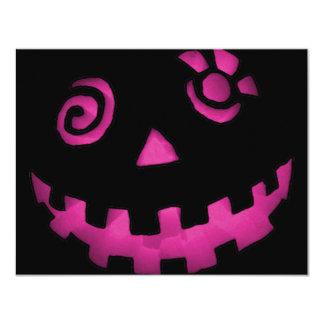 熱狂するなハロウィーンのカボチャのちょうちんのカボチャ顔のピンク カード