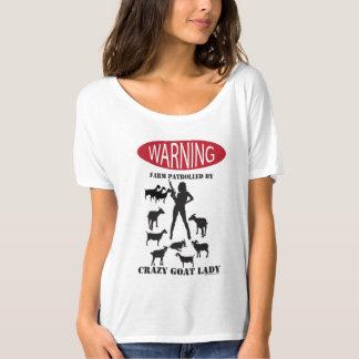 熱狂するなヤギの女性が巡回するおもしろいな警告の農場 Tシャツ