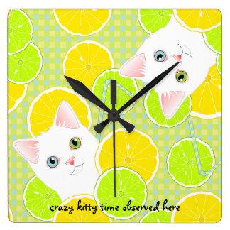 熱狂するな子猫の時間レモネード猫の時計 スクエア壁時計
