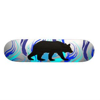 燃えるようなくまのスケートボード 21.6CM スケートボードデッキ