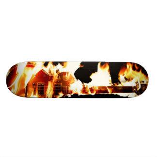 燃えるようなギターのスケートボード スケートボード