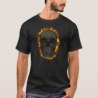燃えるようなスカルのTシャツ Tシャツ
