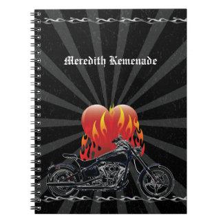 燃えるような愛バイクもしくは自転車に乗る人のノート ノートブック