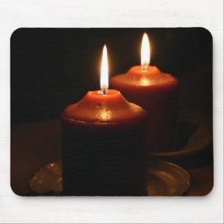 燃えるような蝋燭 マウスパッド