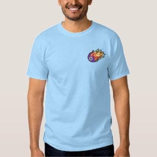 燃えるような8ボール 刺繍入りTシャツ