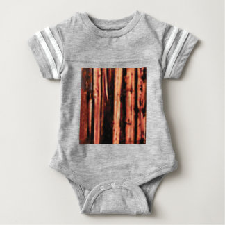 燃える暗い木製の材木 ベビーボディスーツ