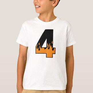 燃え立つこと4つの誕生日のTシャツ Tシャツ