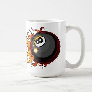 燃え立つこと8つの球のビリヤードのコーヒー・マグ コーヒーマグカップ
