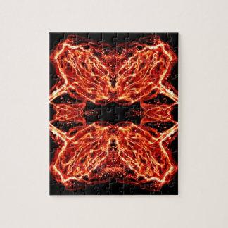 燃え立つ非常に熱い万華鏡のように千変万化するパターンは上がりました ジグソーパズル