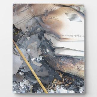燃やされた紙 フォトプラーク