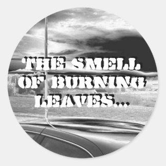燃焼葉の臭い… -円形のステッカー ラウンドシール