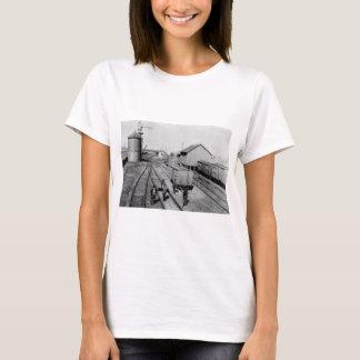 燧石及びPere Marquetteの鉄道ヤード Tシャツ