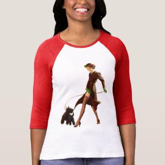 爆弾の悪い女の子のレトロはPin持ち上げます Tシャツ
