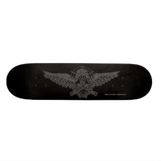 爆撃機の試験スカルのカッコいいのグラフィックアートのスケートボード カスタムスケートボード