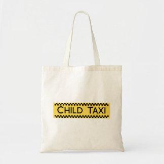 父かお母さんを運転するための子供のタクシーのおもしろいなデザイン トートバッグ