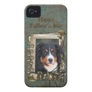 父の日のパパの石の足-バーニーズ・マウンテン・ドッグ Case-Mate iPhone 4 ケース