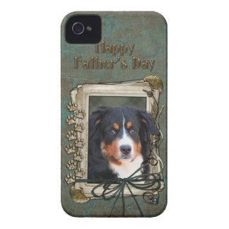 父の日-石造りの足-バーニーズ・マウンテン・ドッグ Case-Mate iPhone 4 ケース