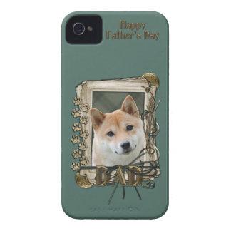 父の日-石造りの足-柴犬 Case-Mate iPhone 4 ケース