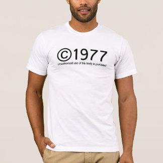 版権1977の誕生日 Tシャツ