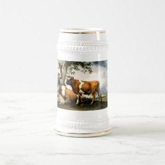 牛およびヒツジを持つ農家 ビールジョッキ