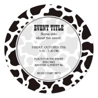 牛パターン背景の円形の招待状 カード