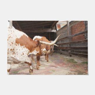 牛飼いの長角牛 ドアマット