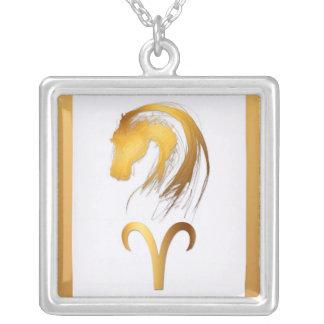 牡羊座の馬の中国のな西部の占星術 シルバープレートネックレス