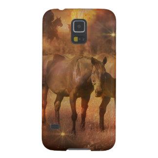 牧草を食べている西部の馬 GALAXY S5 ケース