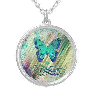 特別なギフトのためのユニークな蝶ネックレス シルバープレートネックレス