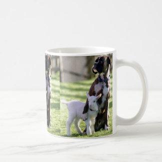 犬およびヤギ コーヒーマグカップ