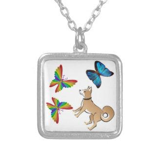 犬および蝶ネックレス シルバープレートネックレス