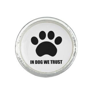 犬で私達はリングを信頼します 指輪