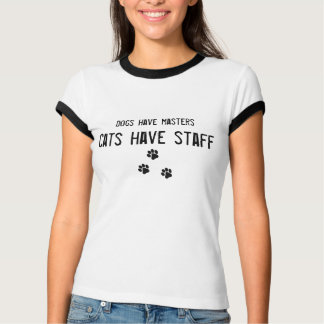 犬にマスター猫がスタッフの女性のTシャツがあるのをあります Tシャツ