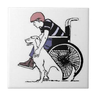 犬のタイルが付いている車椅子の男の子 タイル