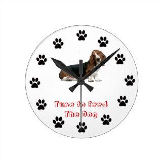 犬のバセットハウンドを食べ物を与える時間 ラウンド壁時計