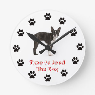 犬のボストンテリアを食べ物を与える時間 ラウンド壁時計