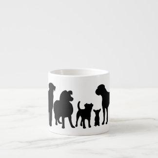 犬の品種グループの黒のシルエットのエスプレッソのマグ エスプレッソカップ