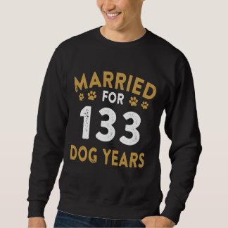 犬の恋人のためのギフト。 第19記念日のための衣裳 スウェットシャツ