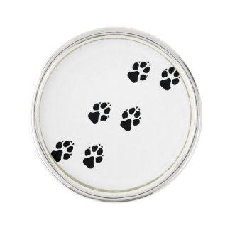 犬の足のプリント ラペルピン
