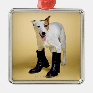 犬の身に着けているブーツ メタルオーナメント