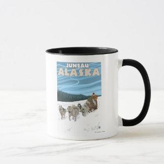 犬のSledding場面-ジュノー、アラスカ マグカップ