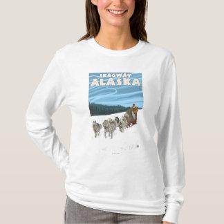 犬のSledding場面- Skagway、アラスカ Tシャツ