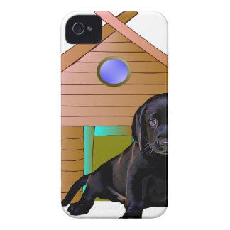 犬小屋のかわいいラブラドール Case-Mate iPhone 4 ケース