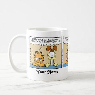 """""""犬臭い""""のガーフィールドの続きこま漫画識別します コーヒーマグカップ"""