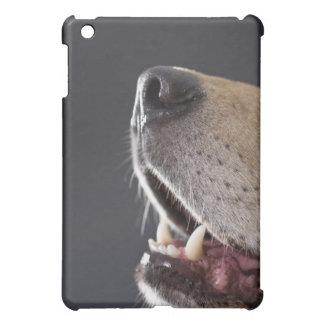 犬鼻および口のクローズアップ iPad MINIカバー